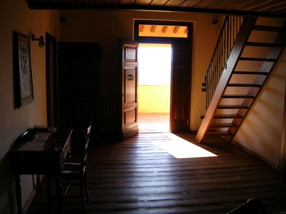 Tuscan villa sunbeams