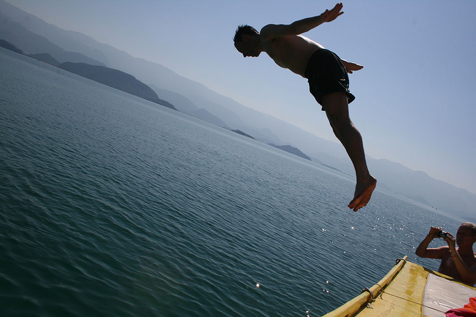 Diving in Paraty Bay